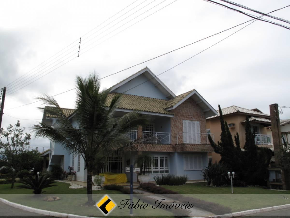 Casa no bairro Bougainvillée III