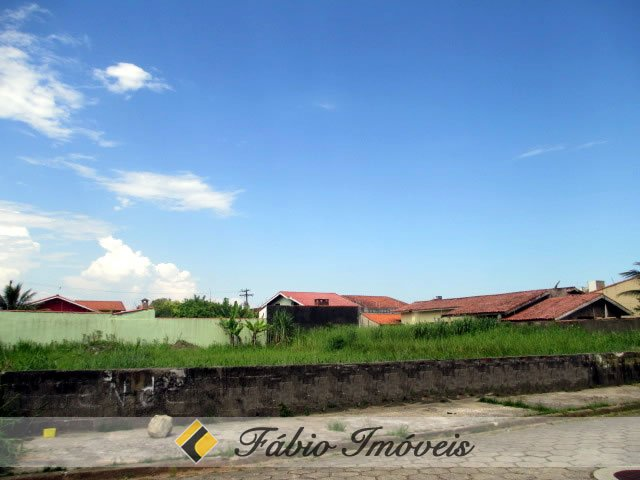 terreno para venda no bairro Maria Helena Novaes em Peruíbe