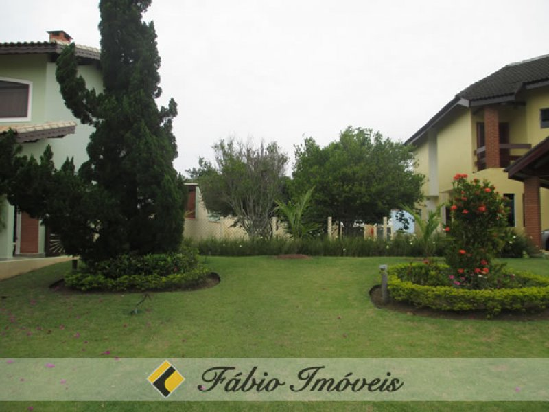 terreno para venda no bairro Condomínio Residencial Bougainvillée III em Peruíbe