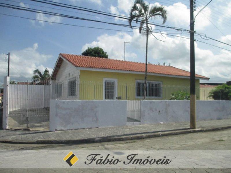casa para venda no bairro Estação em Peruíbe