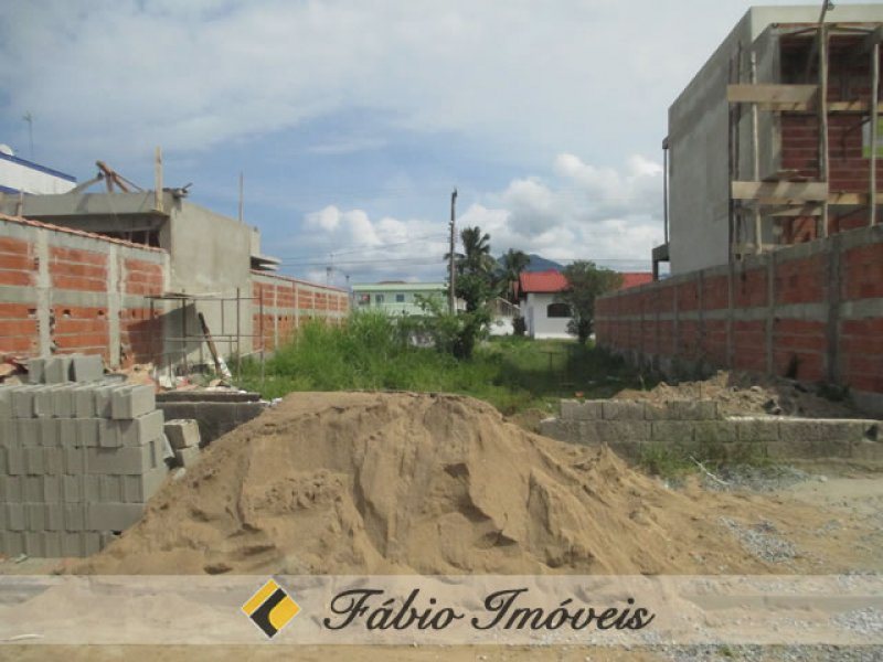 terreno para venda no bairro Continental em Peruíbe