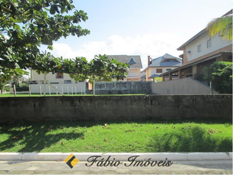 terreno para venda no bairro Condomínio Residencial Bougainvillée I em Peruíbe