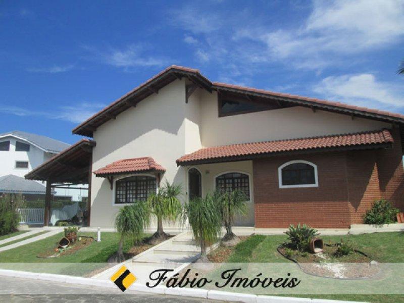 casa para venda no bairro Condomínio Residencial Bougainvillée II em Peruíbe