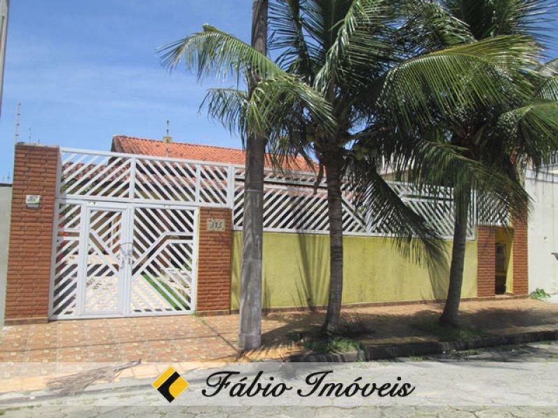 casa para venda no bairro Jardim Márcia em Peruíbe